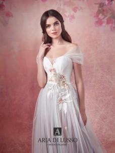 ed415a7ddbd Изображение из альбома Свадебные платья коллекции MUSIC LOVE дизайн-студии  свадебного платья Aria di Lusso